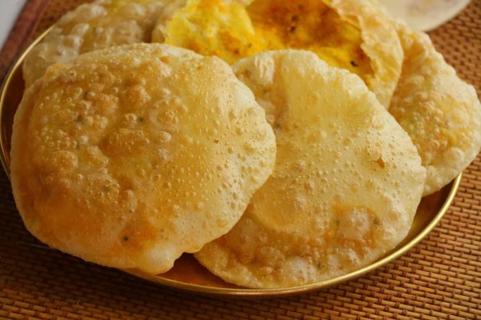 Bengali special RADHABHALLABI | Bengali Stuffed Poori With Spiced Urad Dal