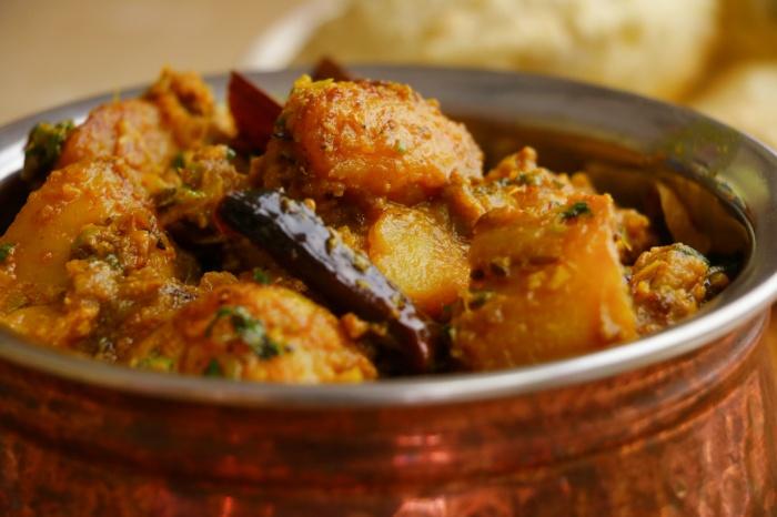 Bengali Style Aloor dum |  Aloo Dum Recipe | Bengali Style Potato Curry