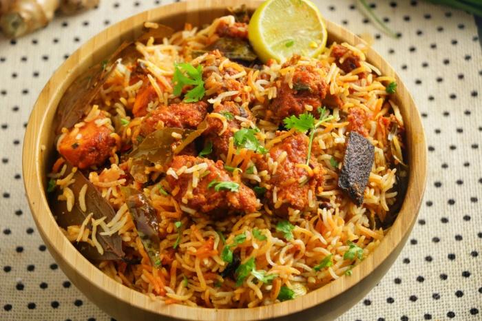 Boneless Chicken Dum Biryani | Hyderabadi Boneless Chicken Dum Biryani Recipe