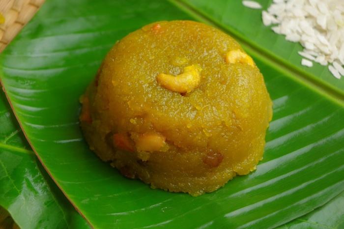 Udupi Poha Rava Kesari | Rice Flakes Rava Kesari | Poha Rava Kesari | Poha Sheera | How to make Atukula Rava Kesari