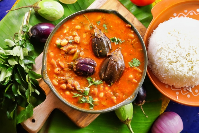 Brinjal Peanut Stew | Brinjal Peanut Pulusu | How to prepare Vankaya Pallila Pulusu at home